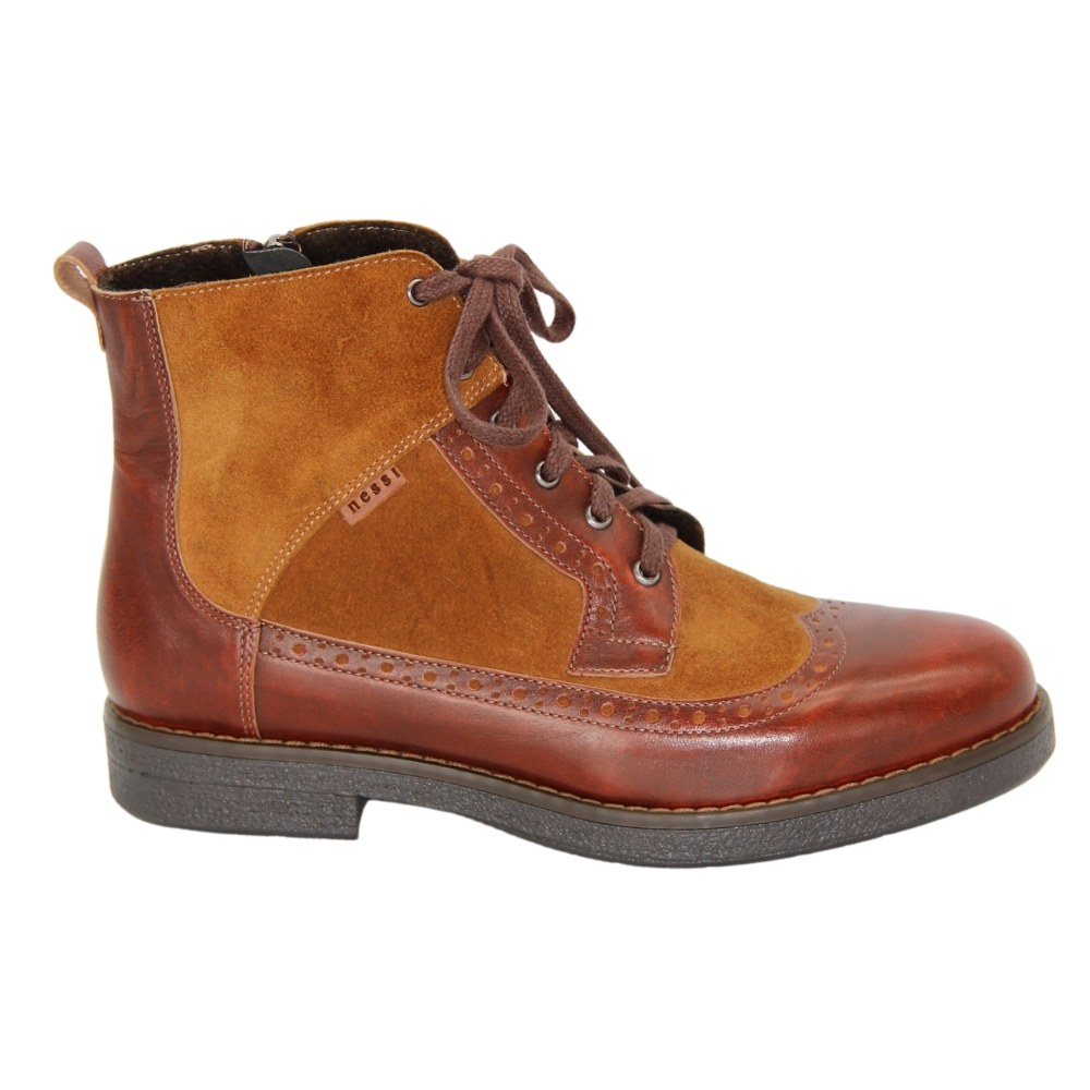 Женские коричневые ботинки на низком каблуке со змейкой и шнуровкой демисезонные NEXT SHOES (Польша) Натуральная кожа, арт 27861-kaniak модель 4295