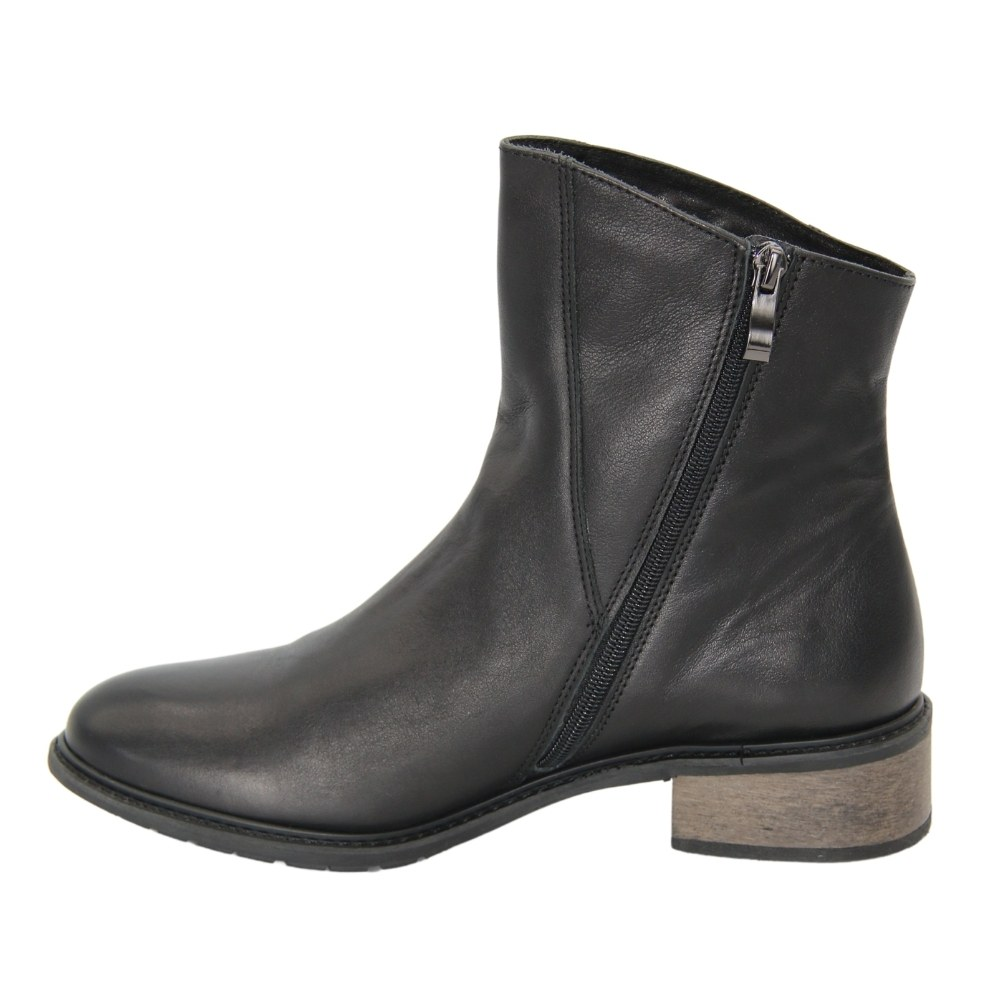 Women's black ankle boots Cossacks with low heels with a snake demi-season NEXT SHOES (Poland) Genuine leather, art 1886-206-bkack model 4616