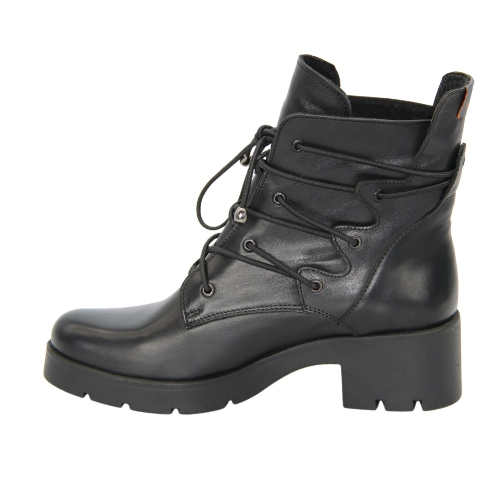 Women's black boots at low speed with lacing demi-season NEXT SHOES (Poland) Genuine leather, art 1133-0000-3 0202 model 4873