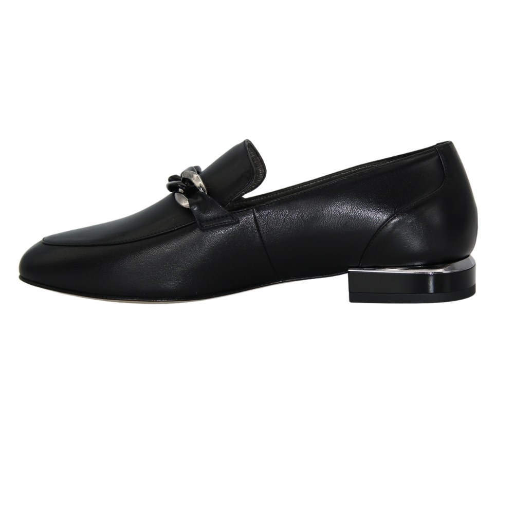 Женские черные туфли лоферы на низком каблуке демисезонные NEXT SHOES (Польша) Натуральная кожа, арт 1342-b-czarny-lico модель 5080