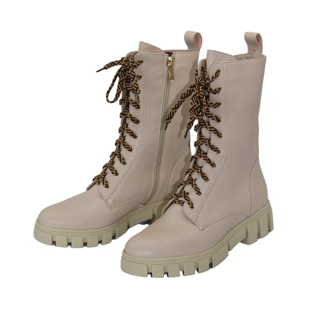 Women's beige ankle boots on a platform with lacing and a snake demi-season NEXT SHOES (Poland) Natural nubuck, art 2772-mariia model 5090