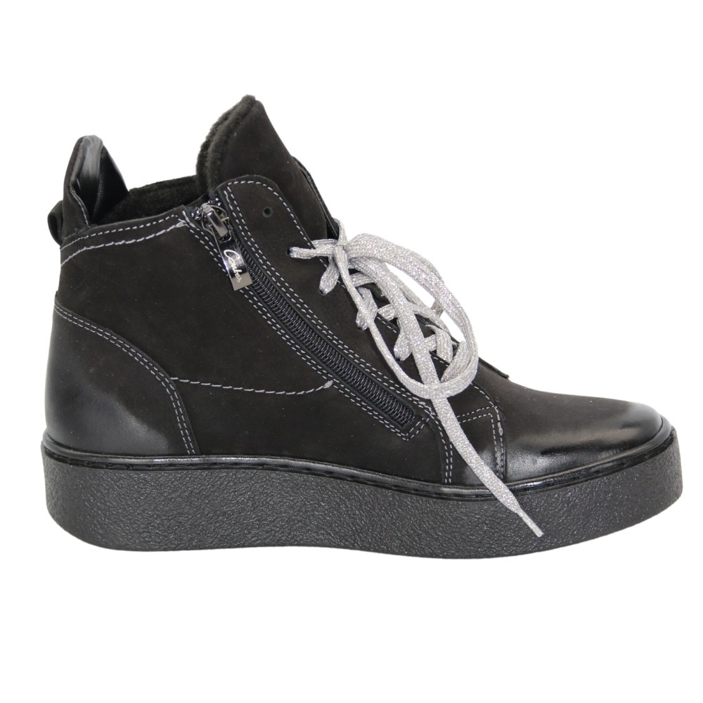 Women's black boots at low speed with lacing and a snake demi-season NEXT SHOES (Poland) Natural nubuck, art 544 model 5111