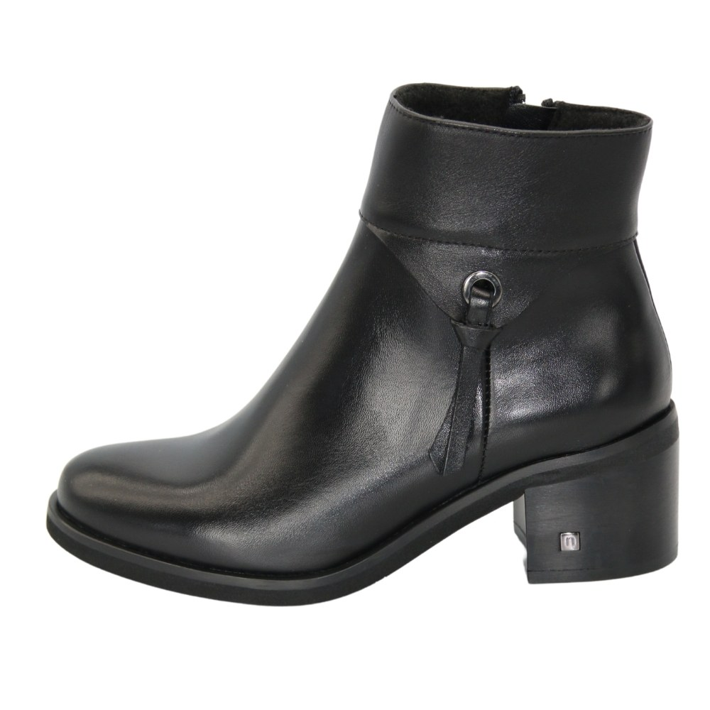 Women's black boots with medium heels, demi-season NEXT SHOES (Poland) Genuine leather, art 20772-czarni model 5114