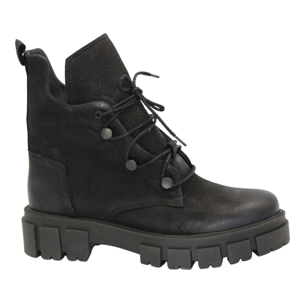 Women's black boots at low speed with lacing demi-season NEXT SHOES (Poland) Natural nubuck, model 5124