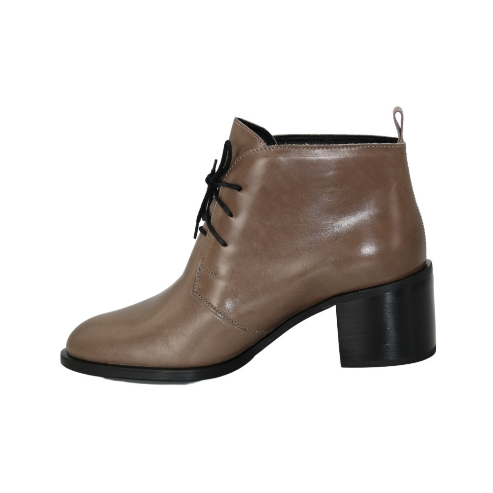 Women's beige boots at low speed with lacing demi-season NEXT SHOES (Poland) Genuine leather, model 5144